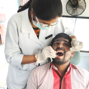 dental-work-at-health-camp