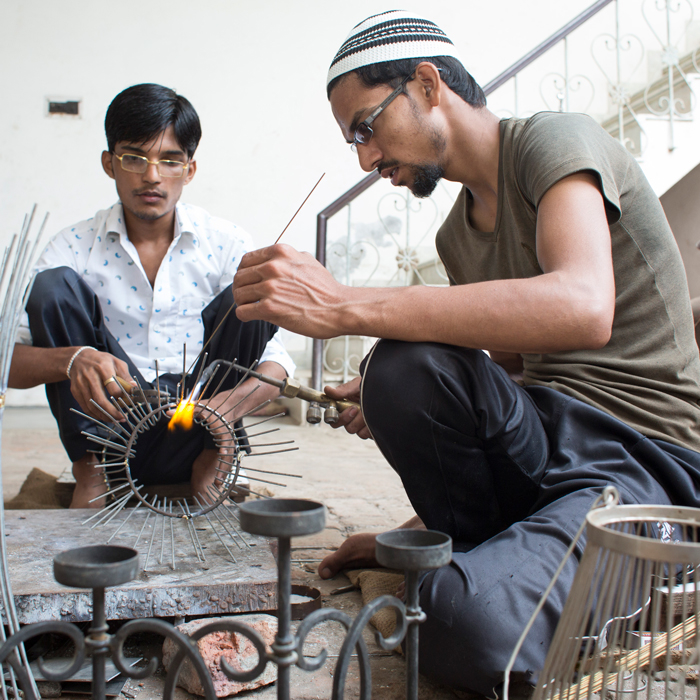 KH-Handicrafts-artisans-at-work